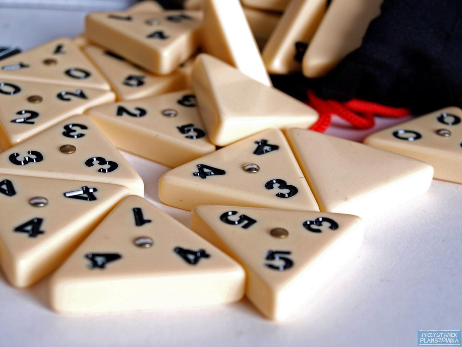 Tripple Domino / fot. Przystanek Planszówka